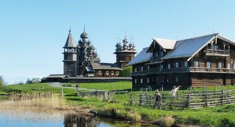 Flussfahrt Moskau - St. Petersburg. Kizhi.