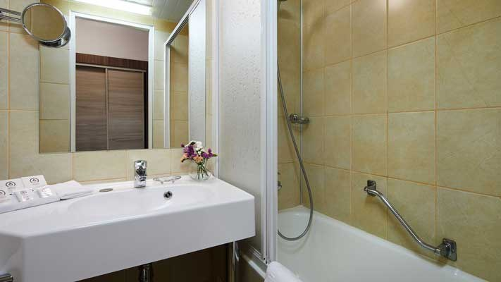 Delta Business Premium Bad Hotel Moskau