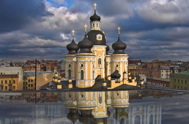 St. Petersburg Reisen. Hotel Dostoevsky. Blick auf Wladimirskiy Kathedrale.