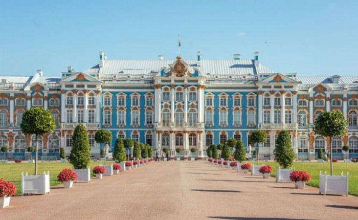 St. Petersburg Reisen. Katharinenpalast in Puschkin.