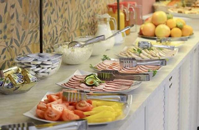Fruehstuecksbuffet im Hotel Vera